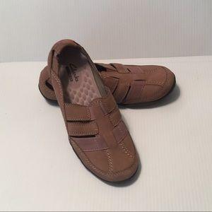 Clarks 'Collection' Shoe Sz 6.5M Tan Slip-on EUC